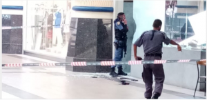 Manhunt for Sledgehammer gang who robbed jewellery store
