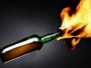 Security officer hospitalized after petrol bomb attack in Muizenberg