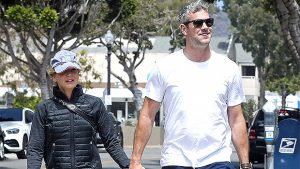 Renee Zellweger & Ant Anstead Hold Hands & Take His Son For A Walk In Laguna Beach — Photos